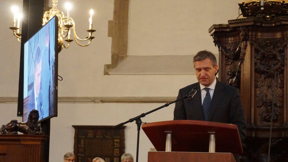 Sybrand Buma tijdens het uitspreken van de Hannie Schaftlezing in de sint Bavokerk in Haarlem 2015
