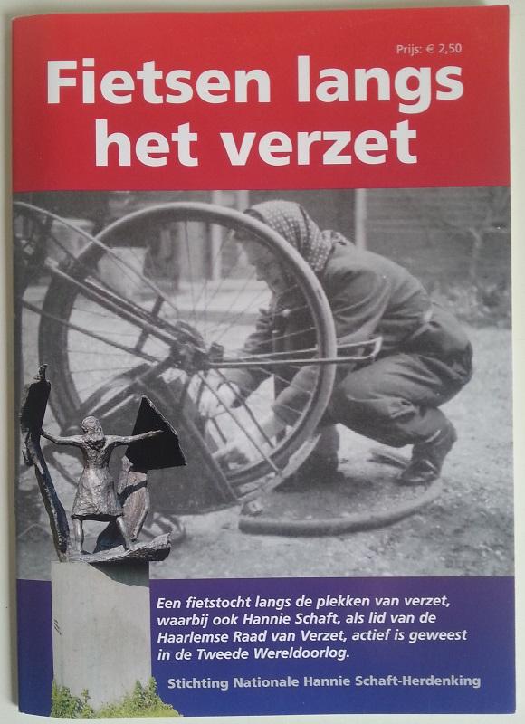 fietsen langs het verzet foto van voorkant van het boekje