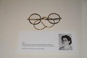 Door Hannie Schaft gebruikte bril te zien op tentoonstelling vrouwen in verzet 2017